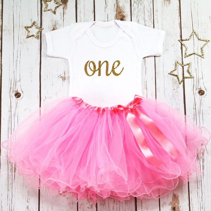 First Birthday Tutu Outfit, Girl 1st Birthday Outfit, Pink Tutu Outfit, One Bodysuit, Pink and Gold Baby Girl Outfit, Cake Smash Outfit by BettyBramble on Etsy https://www.etsy.com/uk/listing/531177051/first-birthday-tutu-outfit-girl-1st