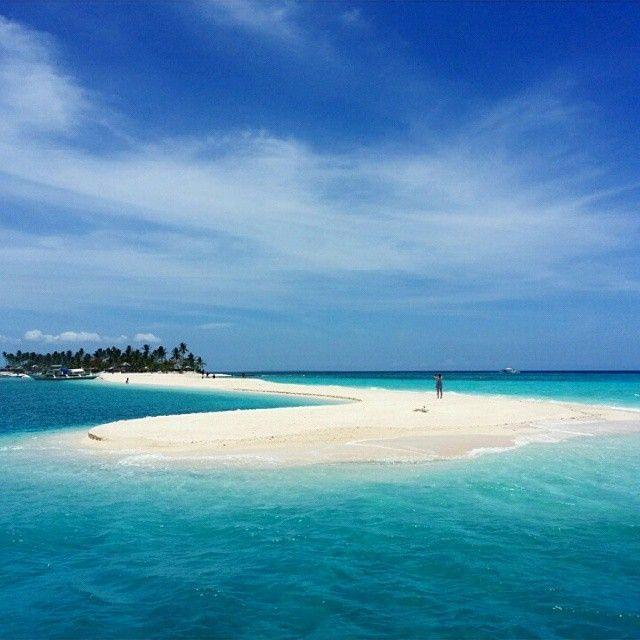 Mid-week daydream: Kalanggaman Island in Palompon, Leyte  Photo by @seftacan  #biyaheroes #travelgram #leyte #visayas #lostinph #landscape #beachplease #vitaminsea #oceangram #backpack #wanderlust #adventure #explore #nature #tropical #holiday #seascape #naturegram #pilipinas #chill #philippines #travelph #travel #itsmorefuninthephilippines