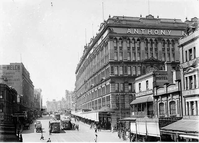 George St,Brickfield Hill,Sydney in 1924.Anthony Hordern's.The Hotel opposite is now Scruffy Murphys.