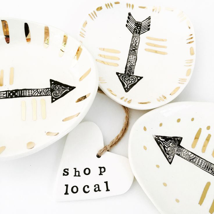 Arrow dishes with gold lustre.