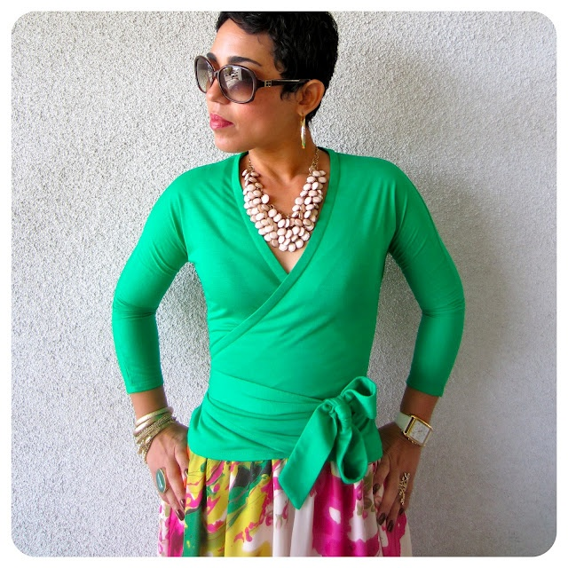 this woman is SO talented!  she makes most of her clothes--including this top AND maxi!!!!!