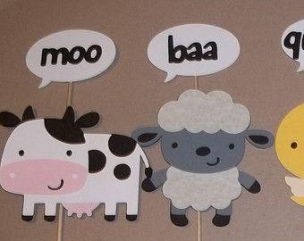 Farm animal centerpieces diaper cake decoration farm for Animal party decoration ideas