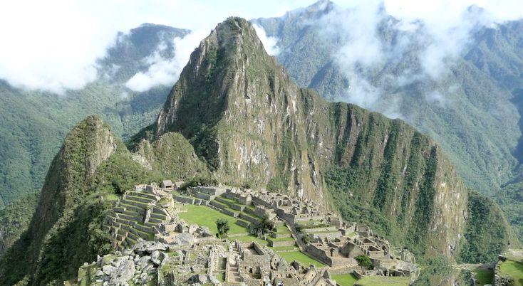 Der geheimnisvolle Machu Picchu, die einst vergessene Inka-Zitadelle in den subtropischen Ostanden von Peru. Der Machu Picchu wartet auf Sie. Wer möcht kann auch auf alten Inka Pfaden über den Inka Trail zum Machu Picchu wandern.  www.inka-trail.eu