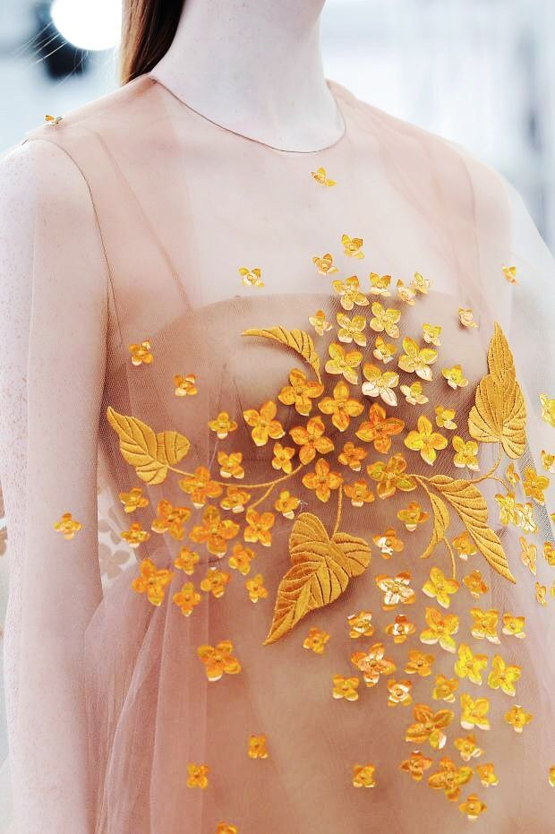 "Delpozo S/S 2015 @ NYFW ♥ ""And the LORD said to Moses, ""Go to the people and consecrate them today and tomorrow. Have them wash their clothes."" Exodus 19:10"