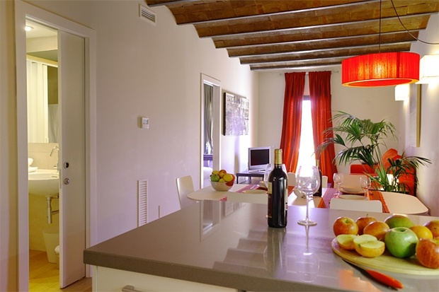 Für einen Kurzurlaub in Barcelona!12 Ferienwohnungen im Haus direkt im Zentrum von Barcelona!