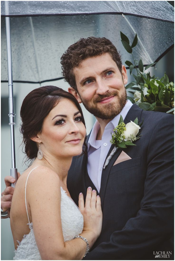 Chris & Amber's wedding photography on a rainy day in Coal Harbour