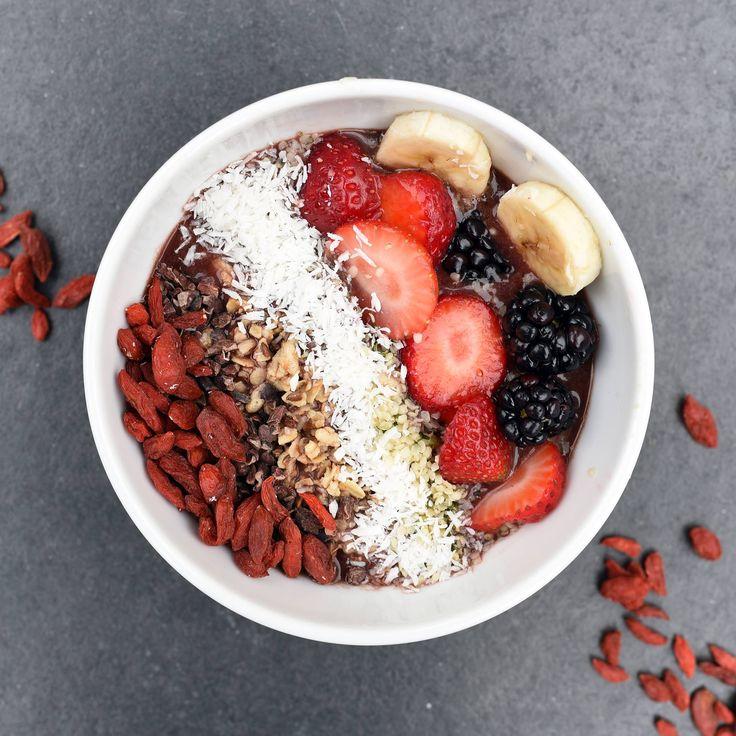 Açaí + Goiji + Banana + Strawberries + Raspberries + Coconut
