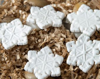 Ornamento del copo de nieve con cuentas. por SimpleElementsDesign