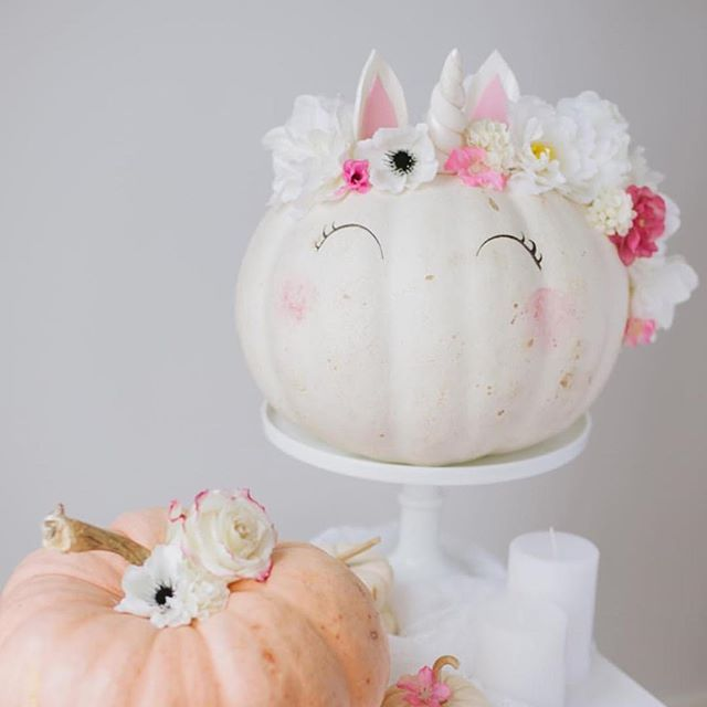"Unicorn pumpkin anyone?  @thepartyparade (PS: How many times in the last week have you thought to yourself: ""What, no pumpkin emoji?!"") #unicorn #pumpkin"