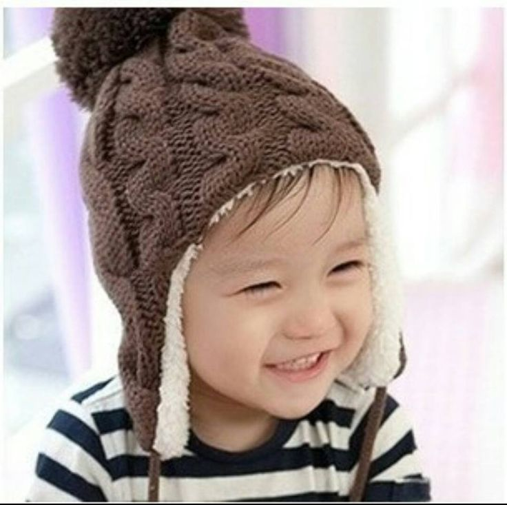 Baby cable knit hat