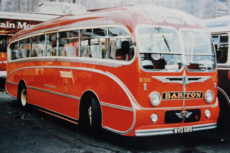 The Robin Hood fleet contained a number of first class coaches. Amongst them was this Burlingham 'Seagull' bodied AEC Reliance. Photographed at the Victoria Coach Station in London it became number 930 in the Barton Transport fleet
