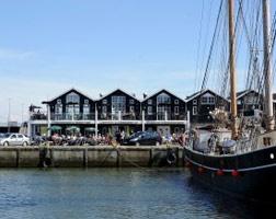 Hvide Sande: Hafen mit Fischerbooten, frischer Fisch zum Urlaub in Dänemark