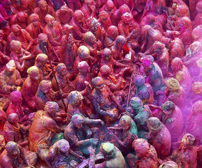 O Festival of Colours é uma celebração da cultura hindu na primavera para trazer alegria e boa sorte ao mais colorido.Fonte