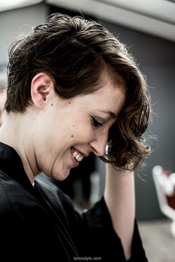 coupe courte cheveux boucles - coiffeur la loge lyon - blog laroxstyle -26 | Cheveux bouclés ...