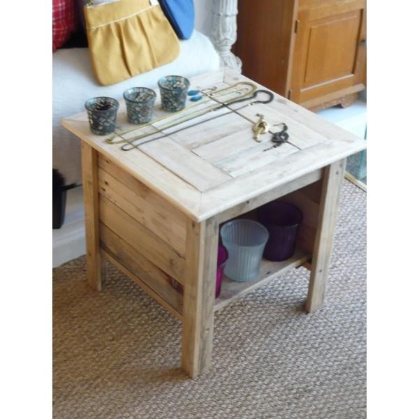 Table de nuit artisanale palettes recycl es n 5 up cycling recup pintere - Table de nuit en palette ...