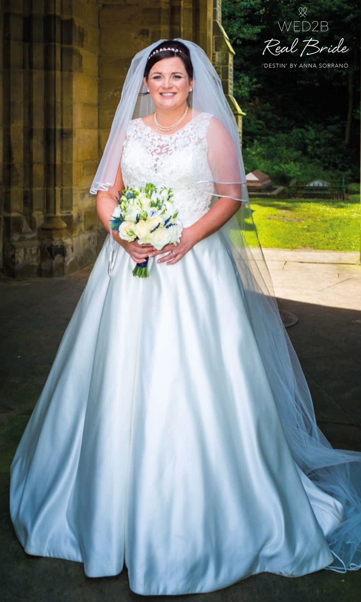 Real bride Tammy looks beautiful in 'Destin' by Anna Sorrano  Please share your photos with us by emailing helena.jackson@wed2b.co.uk