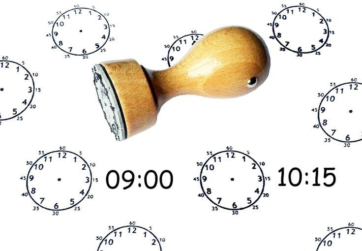 Mit diesem Stempel kann jedes Kind die Uhrzeit spielerisch lernen.