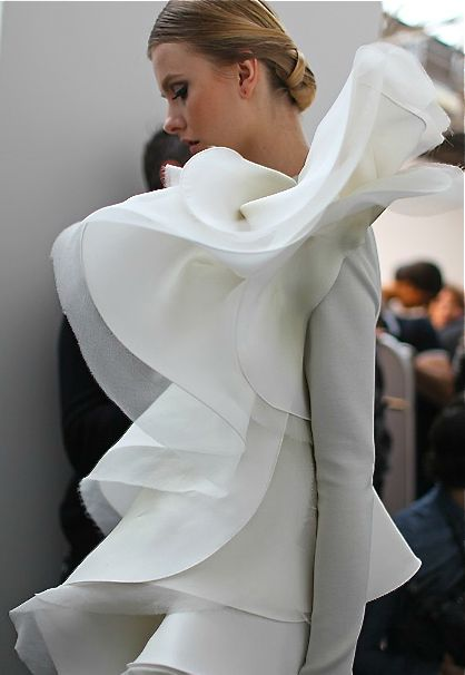 Wearable Art - white dress with elegant sculptural ruffles; 3D fashion // Stephane Rolland