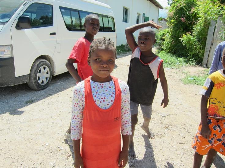 """Según  Unicef, el país caribeño tiene 4,31 millones de menores de 18 años, que """"en su mayoría tienen oportunidades limitadas para la supervivencia, el desarrollo y la protección"""". Dos años después del terremoto la situación de estos niños en el país antillano mejora lentamente."""