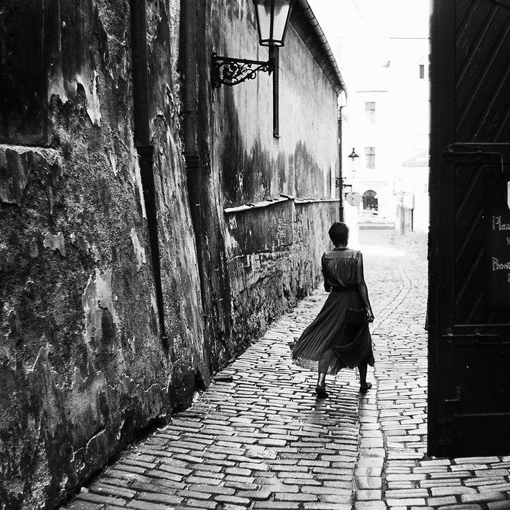 Les rues de Prague. by leingad.deviantart.com on @DeviantArt