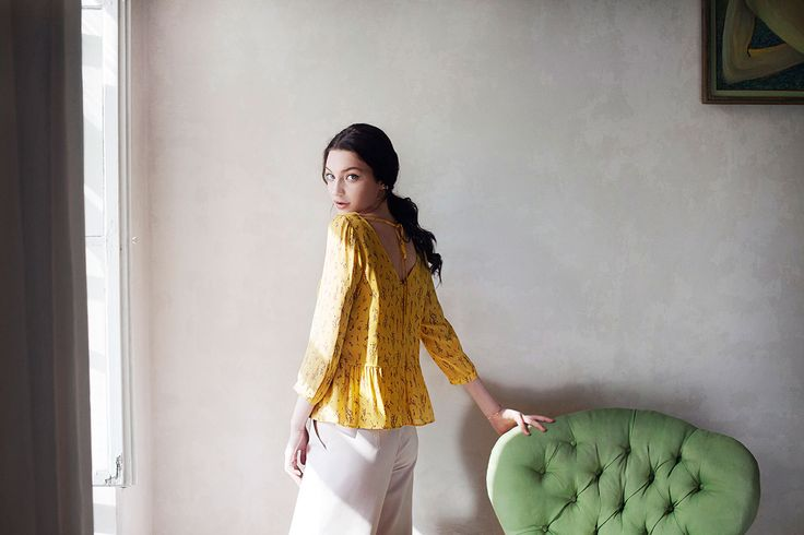 Enjoy the sunny summer days with our feminine, lively Lara blouse.