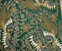 "Batik kraton Batik Kraton awal mula dari semua jenis batik yang berkembang di Indonesia. Motifnya mengandung makna filosofi hidup. Batik-batik ini dibuat oleh para putri kraton dan juga pembatik-pembatik ahli yang hidup di lingkungan kraton. Pada dasarnya motifnya terlarang untuk digunakan oleh orang ""biasa"" seperti motif Batik Parang Barong, Batik Parang Rusak termasuk Batik Udan Liris, dan beberapa motif lainnya."