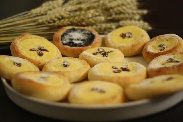 U nás na kopečku: Tvarohové a povidlové koláčky