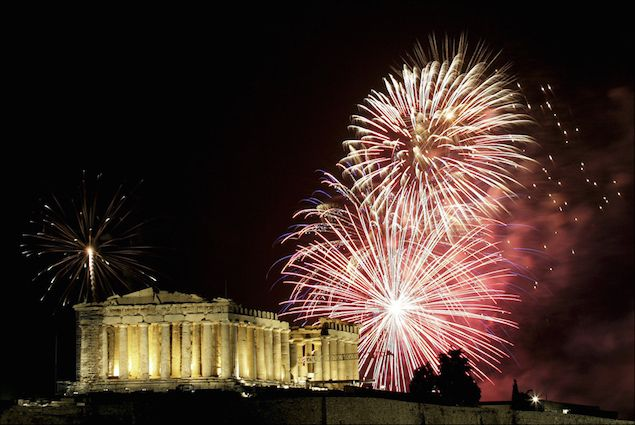 Athens with celebrations in Thisio will welcome the New Year