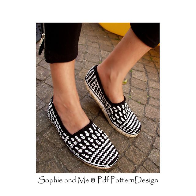 Ravelry: Black and White Graphic Slippers pattern by Ingunn Santini
