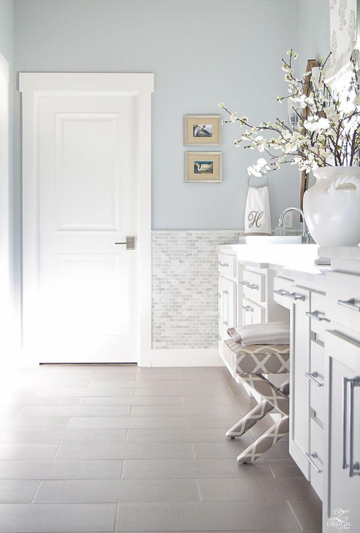 neutral-transitional-master-bath-white-cabinets-carrara-marble-benjamin-moore-silver-lake-4