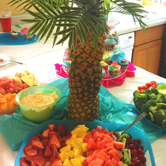 palm tree fruit fruit veggie smoothie