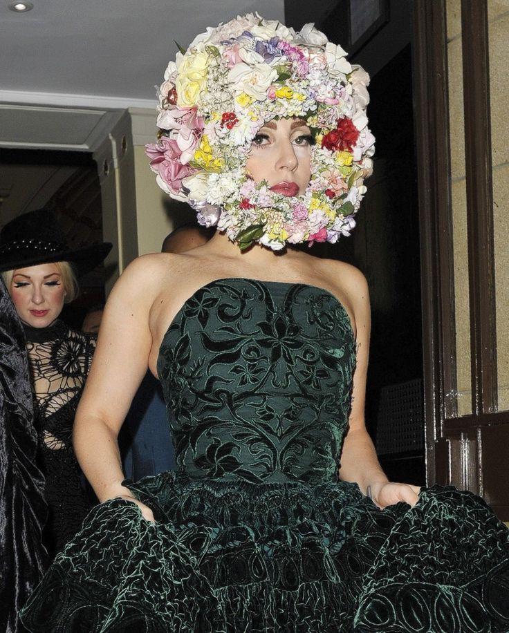 Lady GaGa floral headress