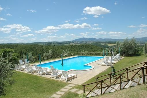 Agriturismo Malagronda, swimming pool / #Umbria, #Italy