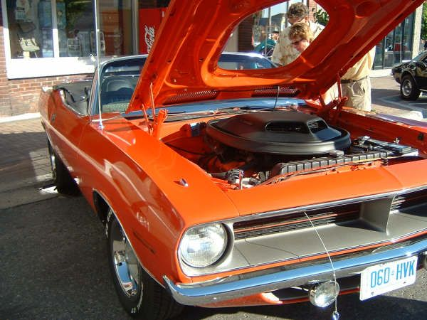 Cruise Nights in Kincardine happen on the long weekends during the summer!