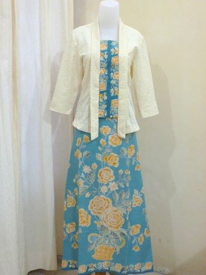 Batik dress with kebaya Encim