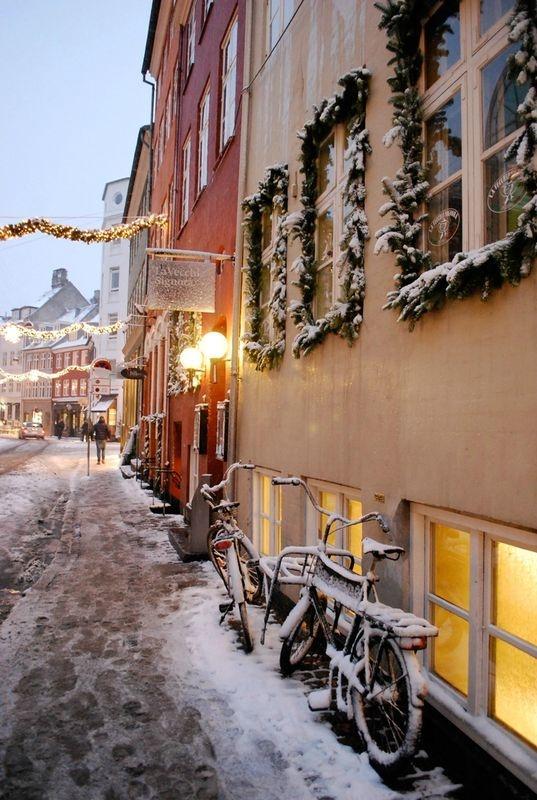 Copenhagen <3 Christmas and winter in Copenhagen. Very cozy. http://www.visitcopenhagen.com/copenhagen/culture/christmas-copenhagen