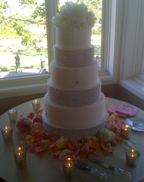 25 best tall wedding centerpiece ideas images on pinterest for Beautiful cake stands