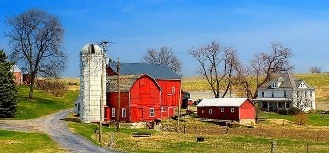 there are tons of very small towns often built around farming. Life moves a bit slower here, making it a true definition of contrast.