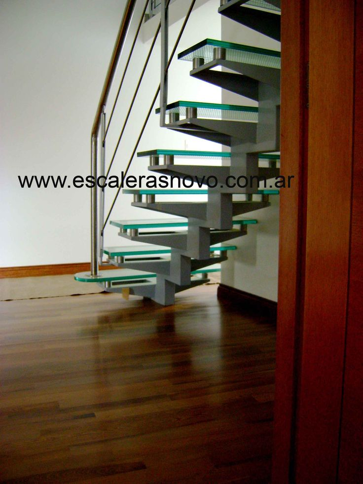Mejores 108 im genes de escaleras en pinterest - Escaleras de vidrio ...