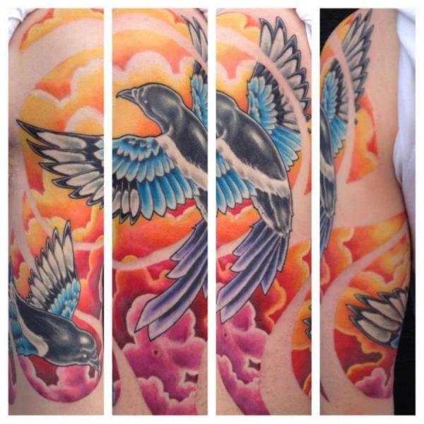 Schulter Realistische Vogel Tattoo von Evil From The Needle
