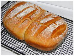 Wenn Ihr mal auf die Schnelle ein Brot backen müsst, wie wäre es dann mit diesem Brot ohne Gehzeit. Kneten, formen und ab in den Ofenmeister zum backen.