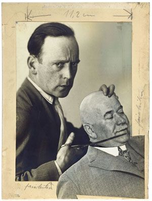 John Heartfield, Self-Portrait with Police President Zörgiebel, mock-up, 1929. Courtesy Akademie der Künste, Berlin. Kunstsammlung, Heartfield 430 © 2008 Artists  Rights Society (ARS), New York/VG Bild-Kunst, Bonn