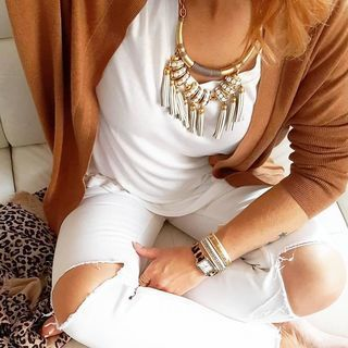 How to wear white after Labor Day? Throw on some gold jewels! | Stella & Dot