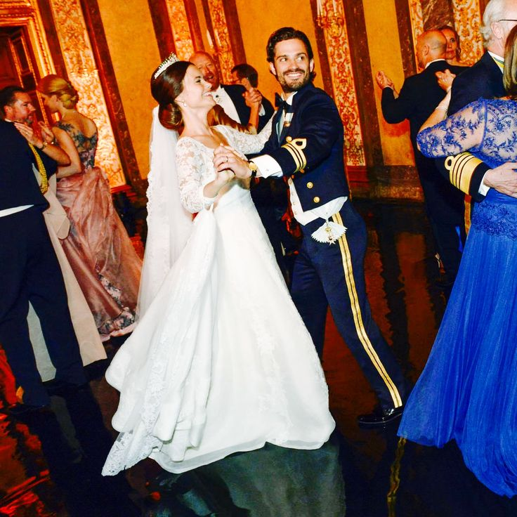 13 June 2015 | Prince Carl Philip and Princess Sofia of Sweden dance during their wedding reception.