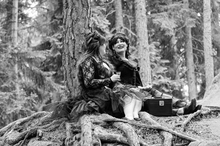 Ladys in the forest