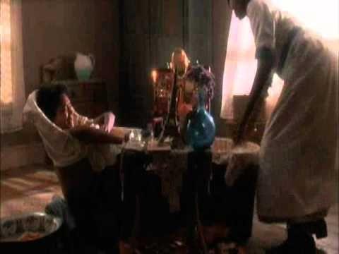 Il colore viola è un film drammatico del 1985 diretto da Steven Spielberg con protagonista Whoopi Goldberg. Del cast fanno parte anche Danny Glover, Margaret Avery e Oprah Winfrey