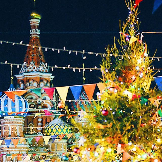 So according to statistics about 60% of Russian citizens will celebrate Christmas (on the 7th of January), and about 6% will celebrate it with the western world. So here in the Red Square we have a New Years fair, what we call it. Russians celebrate New Years like westerners do with Christmas - gifts, dinners, parties. We don't do that on the actual orthodox Christmas. It is a religious holiday, hence not much partying. In the very religious families you would maybe exchange small gifts…