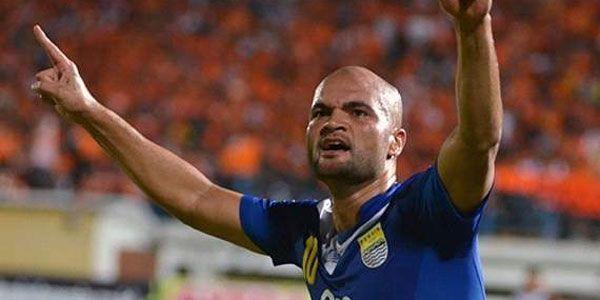 Sergio van Dijk Optimis Persib Bandung Jadi Runner Up - http://www.sundul.com/berita-bola/liga-indonesia/2013/07/sergio-van-dijk-optimis-persib-bandung-jadi-runner-up/