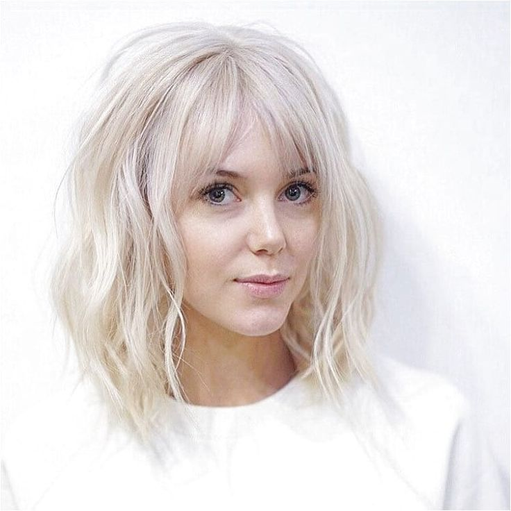 Long Platinum Bob with Wavy Fringe and Parted Bangs - Get this Hairstyle:http: #StylesForWavyHair Click for further information