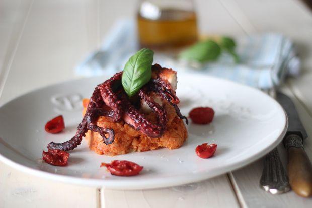 Ricetta Tortina di pane e pomodoro con polpo scottato | Cirio